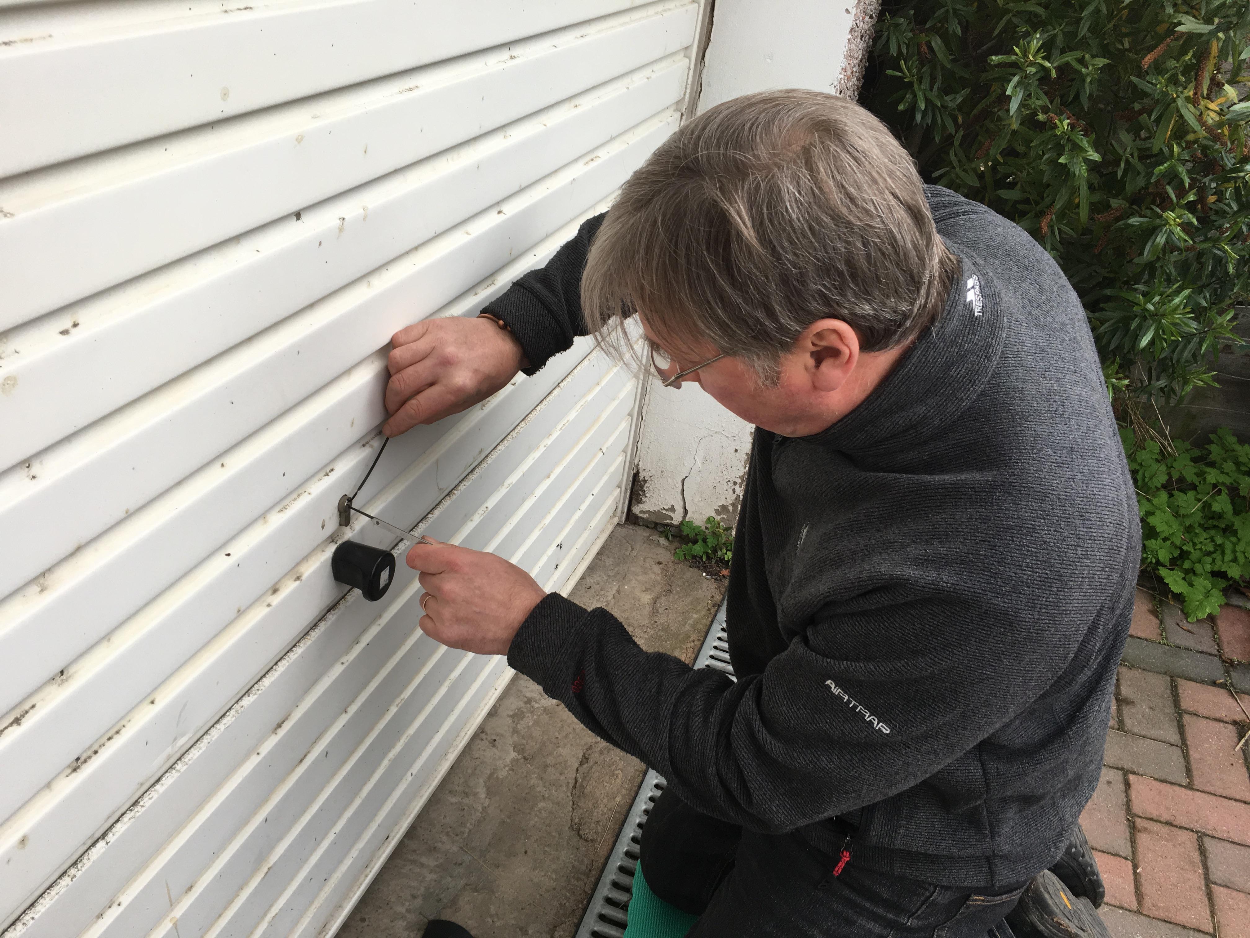 Garage lock picking