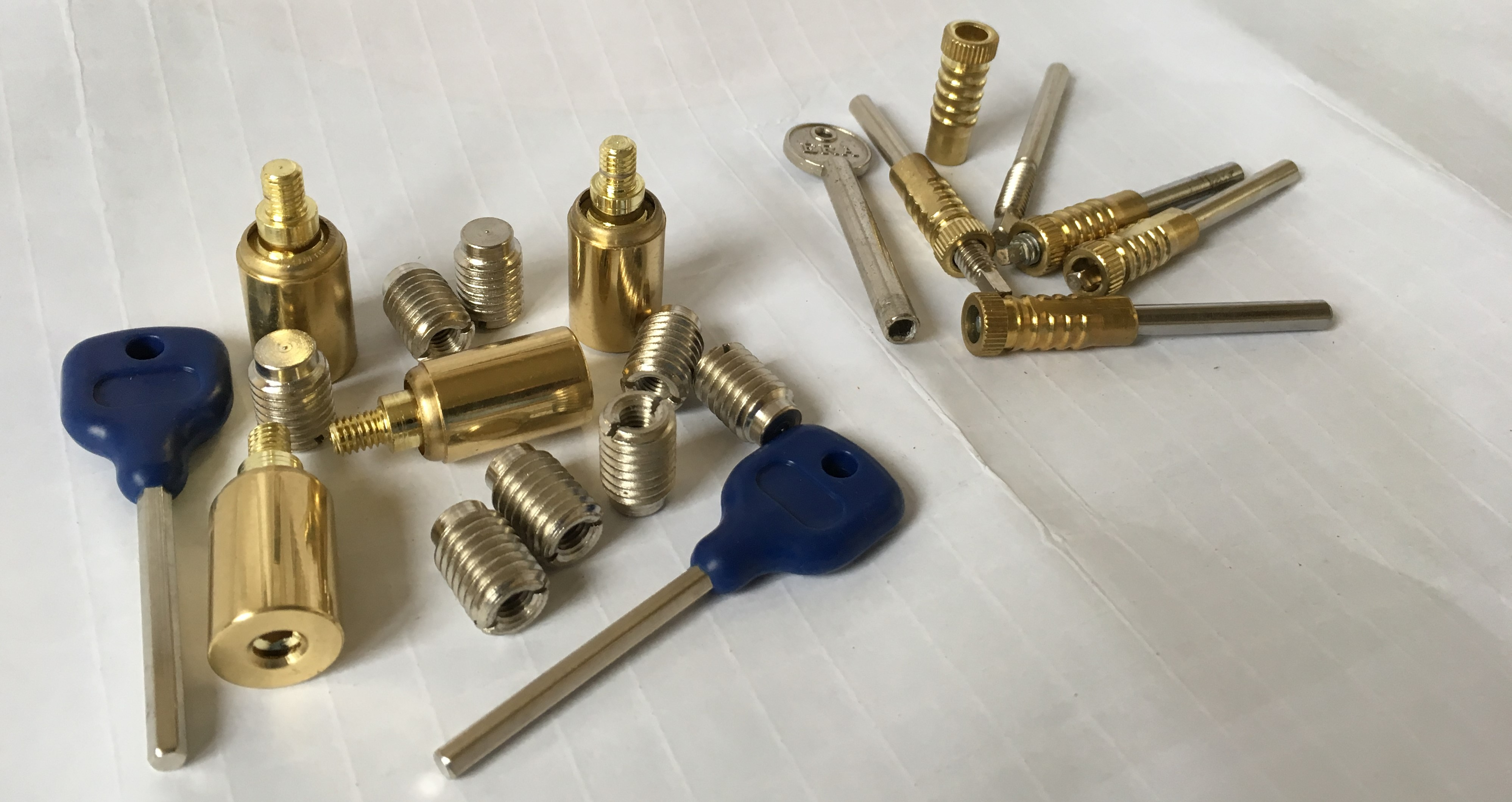 a picures of sash bolts and studs plus keys